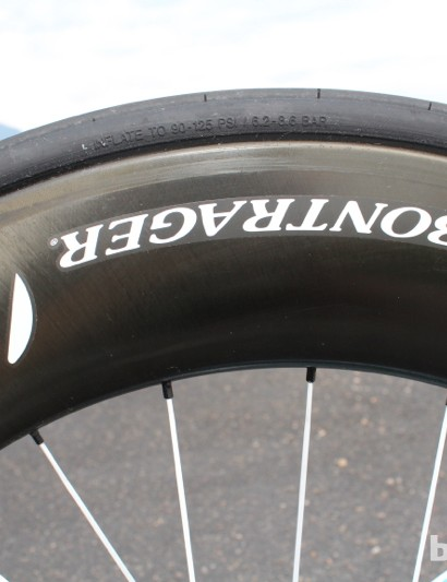 Trek Speed Concept 9 Series: The tall and fat Bontrager Aelous 9 D3 clinchers were fast and stable in the wind. Plus, they were easy to change flats on