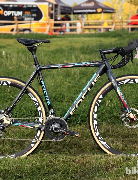 Jeremy Powers' (Rapha-Focus) Focus Mares CX Disc certainly is one of the more stylish looking bikes on the cyclocross circuit