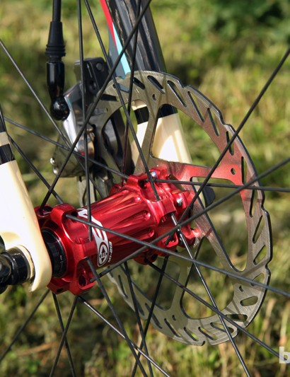 Easton doesn't currently offer a disc-compatible carbon tubular so these are custom built using M1 hubs borrowed from the company's mountain bike range