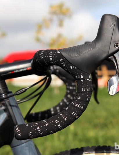 As is typical for cyclocross, Jeremy Powers' (Rapha-Focus) SRAM Red 22 HRD levers are mounted relatively high