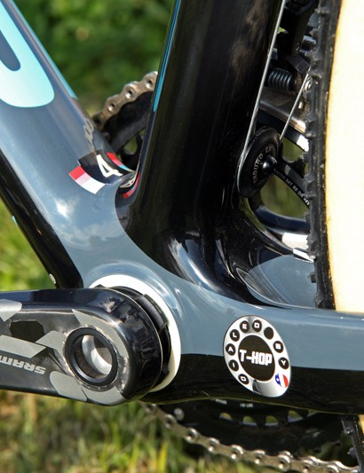The giant BB30 bottom bracket shell and tall chain stays provide plenty of real estate for extra decals. The 'Dialed By T-Hop' sticker pays homage to Jeremy Powers' mechanic, Tom Hopper, while the '4' on the down tube helps Hopper keep track of Powers' five race bikes