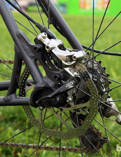 The seat stay mounted IS-style tabs are reinforced with a short strut