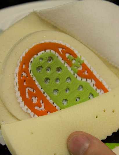 Santini Chamois: a closer look at the multi-density gel