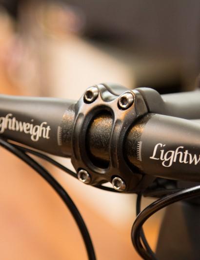 What handlebar do you use on a Lightweight Urgestalt frameset? A Lightweight Rennbügel handlebar, of course!