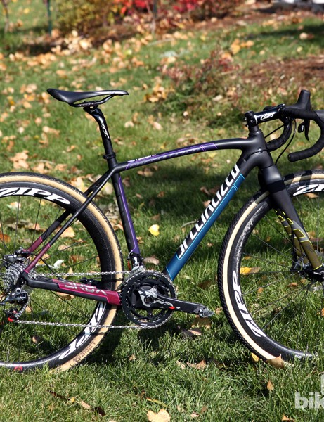 Elle Anderson (California Giant) has been on a tear this season riding Specialized's CruX Pro Race
