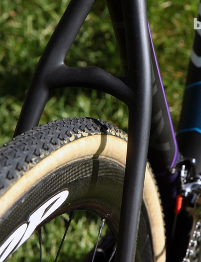 There's heaps of tire clearance through the seat stays