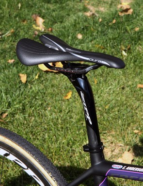 Elle Anderson's (California Giant) Specialized Oura Pro saddle is slammed way back on the rails, even with the setback Zipp Service Course SL seatpost