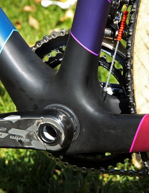 The bulbous bottom bracket shell houses a 30mm-diameter spindle