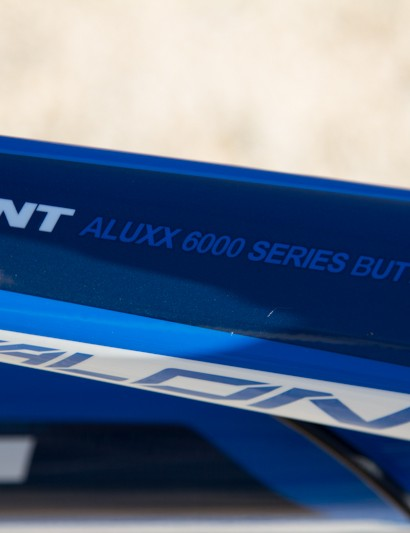 A look at the Giant Talon 27.5's shapely top tube