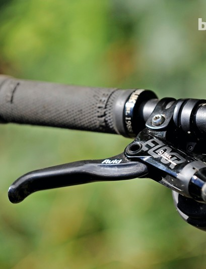 Avid Elixir 9 Trail brakes - carbon levers