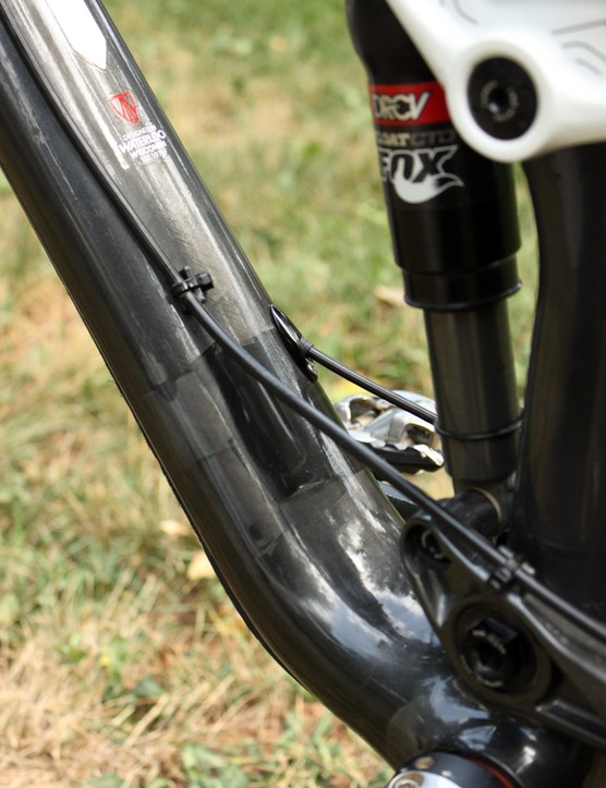 Trek uses a mix of internal and external routing on the Remedy 9.8