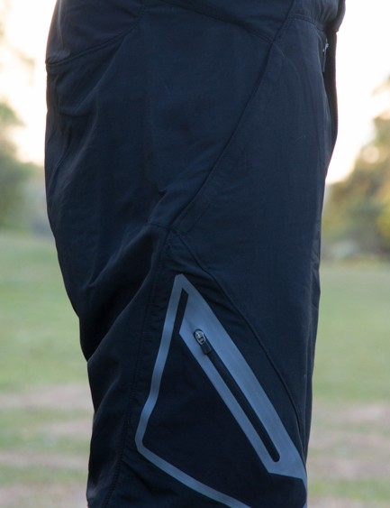 A zippered side pocket can be used for gels and other items in need of quick access when on the bike