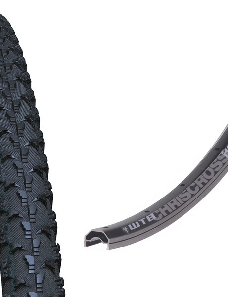 The Cross Wolf tyre is now available in a tubeless version along with WTB's tubeless ChrisCross rim