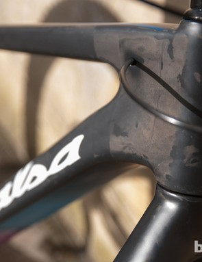 Internal cable routing keeps things clean