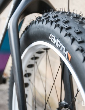 Despite 4in of tyre, the front fork still has plenty of clearance