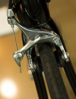 The Cell Lapa 2.0 features Shimano Tiagra brakes, it's rare to see Shimano branded brakes on a bike of this price point
