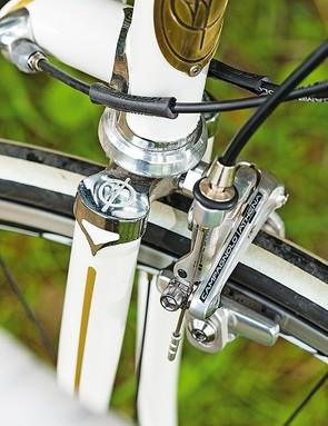Fondriest SF2 – the chromed fork crown harks back to an earlier era