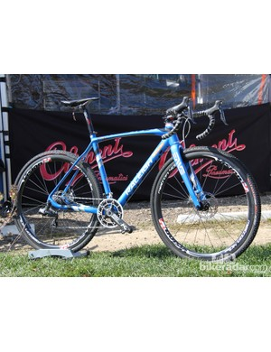 The RXC Pro bucks the low and slack trend, sticking to more traditional cyclocross geometry with a 72-degree head tube and a bottom bracket with only 55mm of drop (for a 55cm frame)