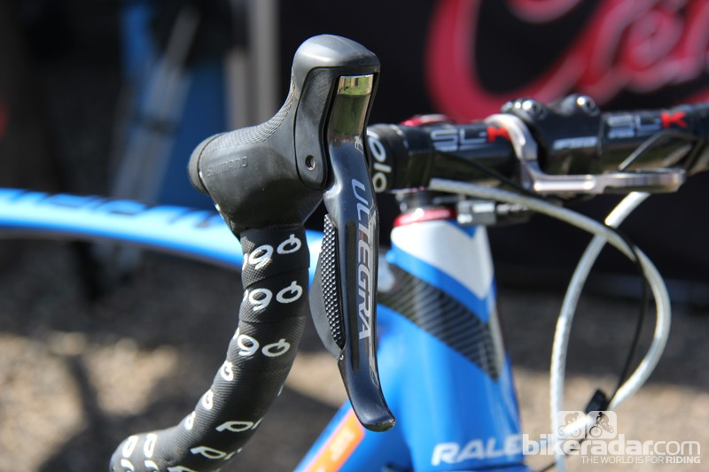 Both of Berden's Ultegra Di2 shifters are programed to operate the rear derailleur