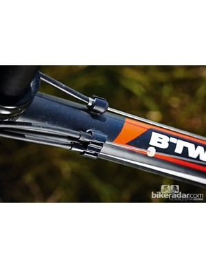 Over-the-top cable routing makes shouldering the BTwin comfortable