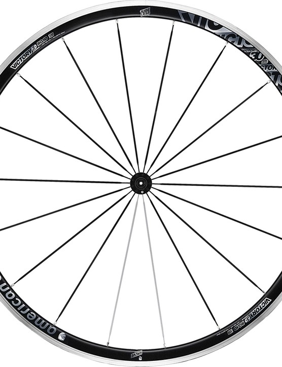 The American Classic Victory 30 road wheelset gets a wider rim plus tubeless compatibility for 2014. Rim dimensions are very similar to the higher-end Argent Road Tubeless model but the extrusion is thicker and heavier to reduce costs
