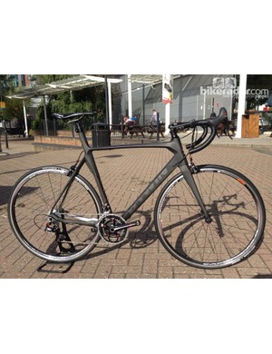 61cb235c6 The Mach 720 packs a full carbon frame and fork with a Campagnolo Centaur  groupset for