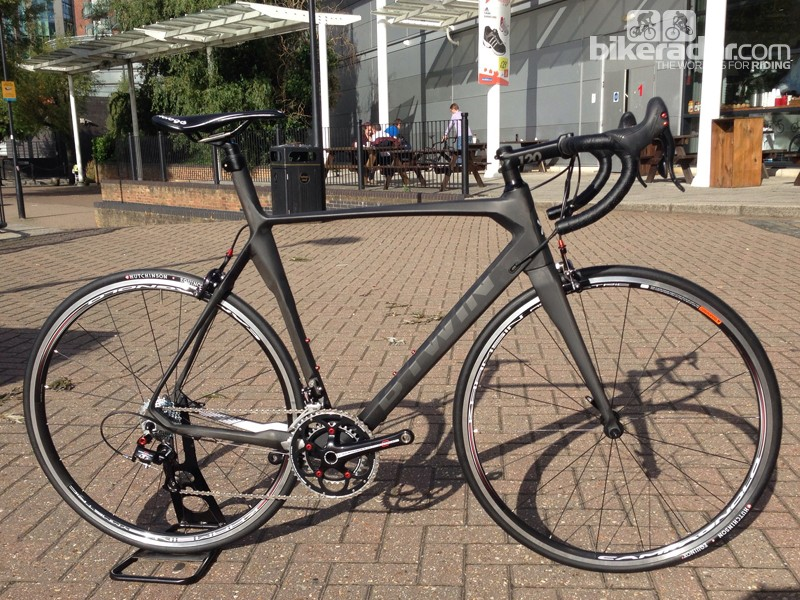The Mach 720 packs a full carbon frame and fork with a Campagnolo Centaur groupset for £1,300