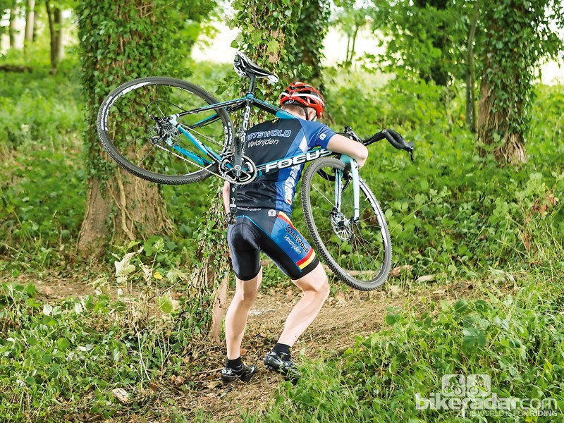 Shouldering the Mares CX 3.0 was never too tough, despite the relatively hefty wheels