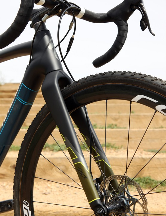 The stout fork isn't the most comfortable example we've ridden but it steers accurately and is well equipped to deal with the streses of a disc brake