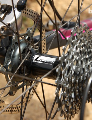 The Roval Rapide CL 40 rear hub is built around DT Swiss star ratchet freehub internals, which should make for excellent long-term reliability and easy sourcing of spare parts