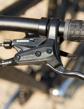 The Avanti Montari 27.2 features solid performing Tektro HDC-300 hydraulic brakes - the lack of lever reach adjustment was a nuisance