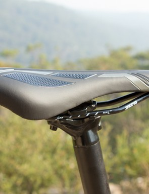 A quality saddle and seatpost was provided on the Montari 27.2 - we believe the saddle is too firm for the pricepoint