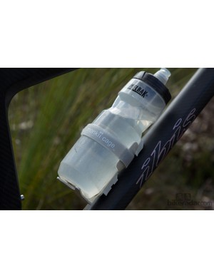 We tested the monkii off-road with a standard 700ml sports bottle – the rough terrain was too much for the monkii to handle