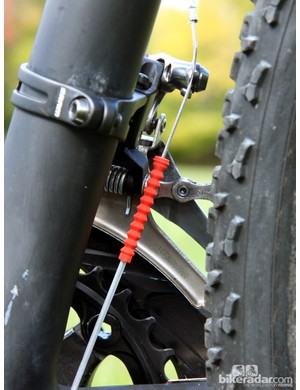 Gore Ride-On's 'grub' seal keeps the muck out of the front derailleur line