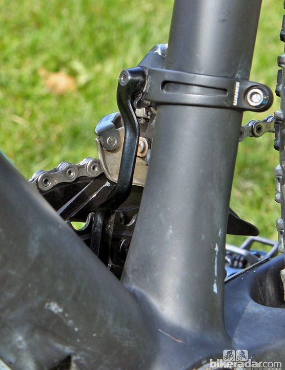 A SRAM integrated chain keeper provides a bit of insurance against dropped chains