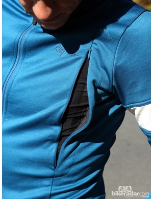 Rapha winter wear: Vent zips increase the temperature range of the winter jersey