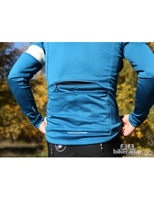 Rapha winter wear: The winter jersey has a large back vent as well, although operating the zipper isn't as easy as the front vents, obviously