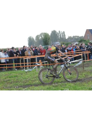 While' Klaas Vantornout stormed away to win by 23 seconds ahead of Niels Albert, the Thursday afternoon crowd enjoyed the beer