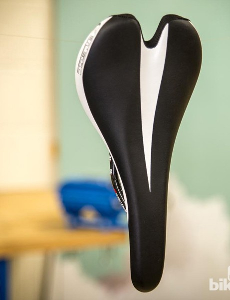 Genetic Monocoque Carbon saddle