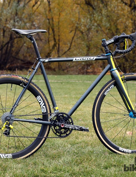 Former multi-time Danish national cyclocross champion Joachim Parbo (Challenge Tires) has moved from carbon fiber to steel for this season. The Cielo Cross Racer Disc - the latest project by Chris King - is an object of desire for many discerning amateurs