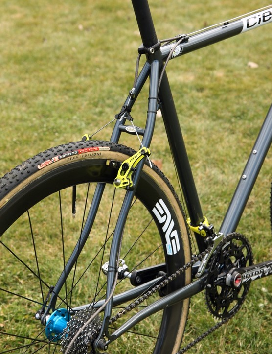 Graceful S-bend stays on Joachim Parbo's (Challenge Tires) Cielo Cross Racer Disc