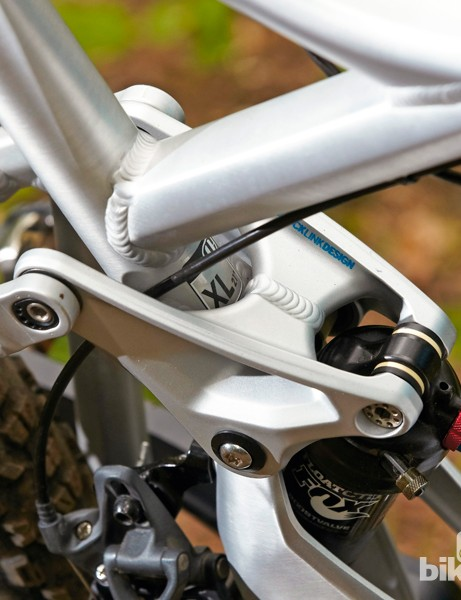 The revised, one-piece upper link helps add stiffness to the rear end of the Foxy XR