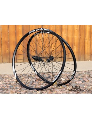 Giant's P-TRX 29er 1 trail wheels feature 21mm-wide (internal width), tubeless-compatible rims joined to proven DT Swiss internals
