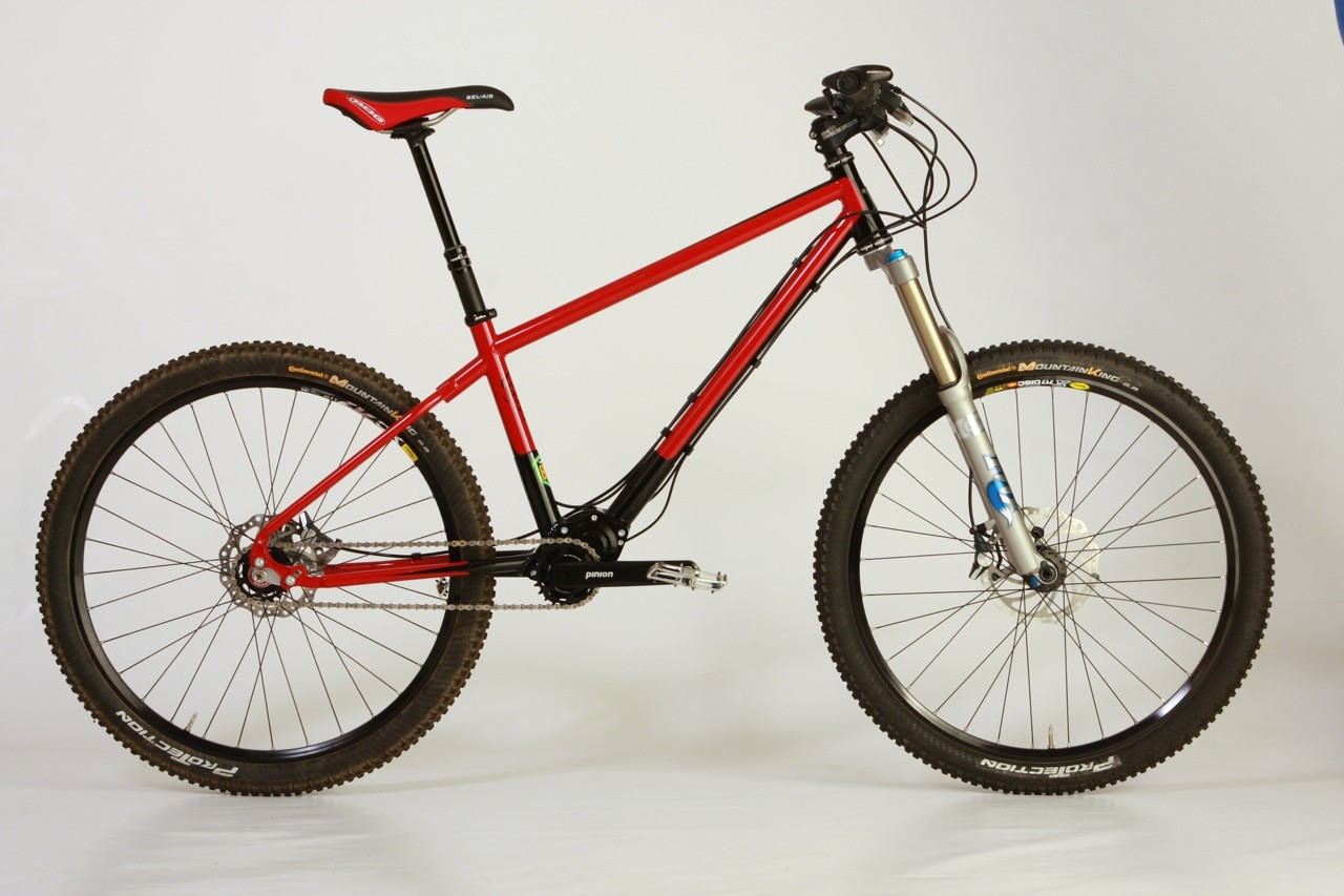 Matt Bowns at 18Bikes incorporated a gearbox into this Reynolds 853 mountain bike