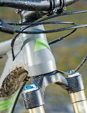 Canyon Nerve AL 7.9 29er: From the moulded grommet stopping water seeping into the mech cabling, to internal routing that's arranged so it can't rattle on rough ground, the detail is impressive