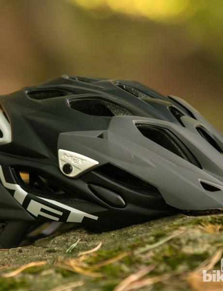 MET Parabellum helmet: xxx