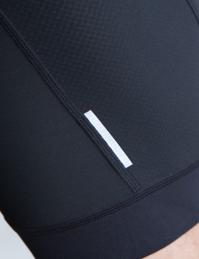 The Giordana Laser jersey and bib shorts both feature reflective safety pipping in multiple places