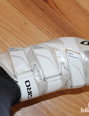 Giro Superlight SLX: In addition to the basic tightening, the Velcro straps and D rings allow for lateral tuning of the fit. The original idea behind the velcro over ratches and buckles, though, was simpler —to save weight