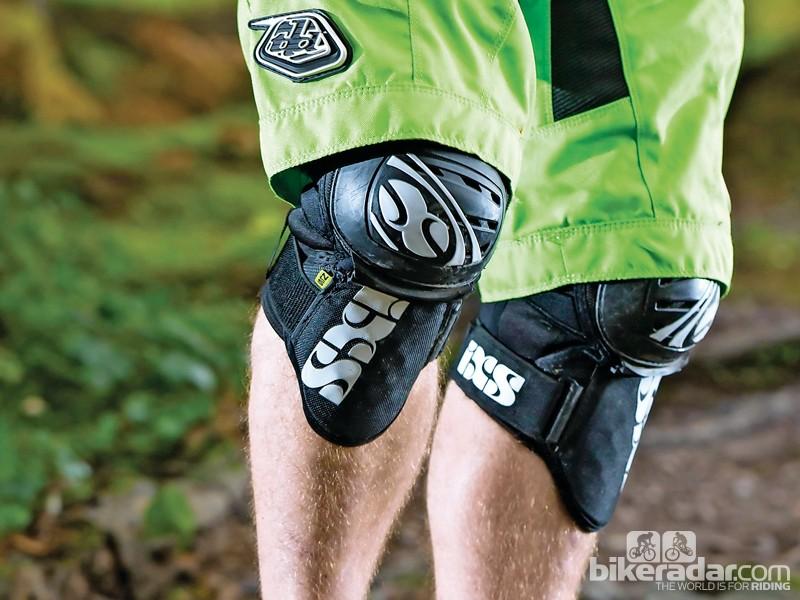 IXS Dagger kneepads