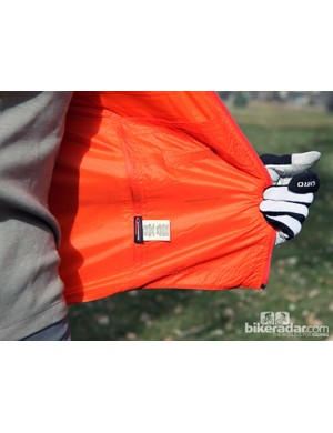 An inner pocket on the Giro New Road Insulated Vest provides a little more storage - perfect for keeping energy bars warm and malleable